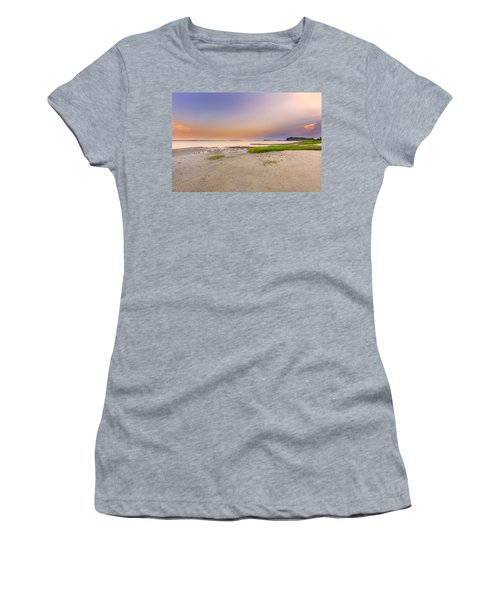 Hilton Head Island Women's T-Shirt (Athletic Fit)