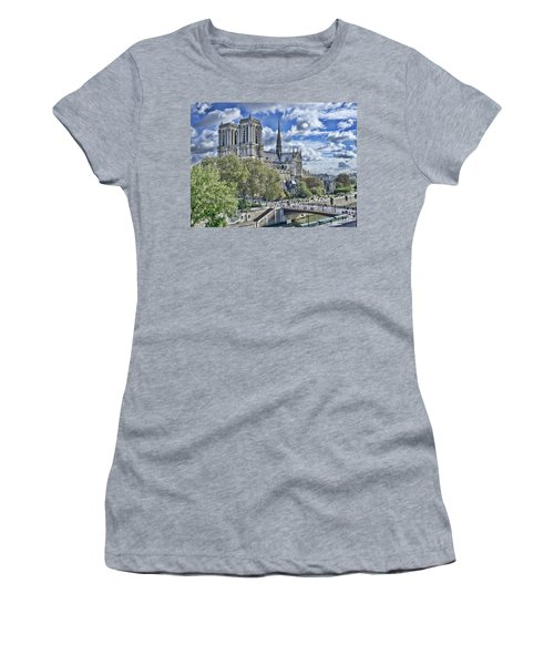 Notre Dame Women's T-Shirt (Athletic Fit)