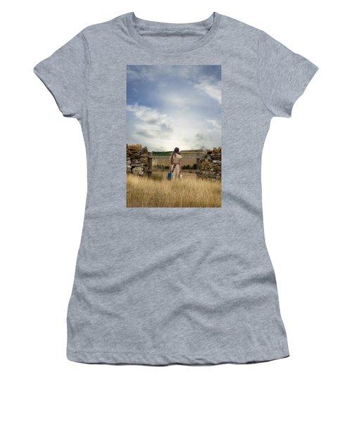 Refugee Girl Women's T-Shirt