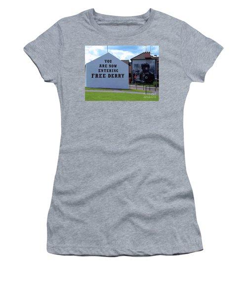 Free Derry Corner 3 Women's T-Shirt (Athletic Fit)