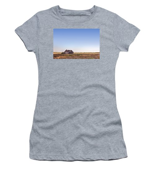 Abandoned Farmhouse In A Field Women's T-Shirt (Athletic Fit)