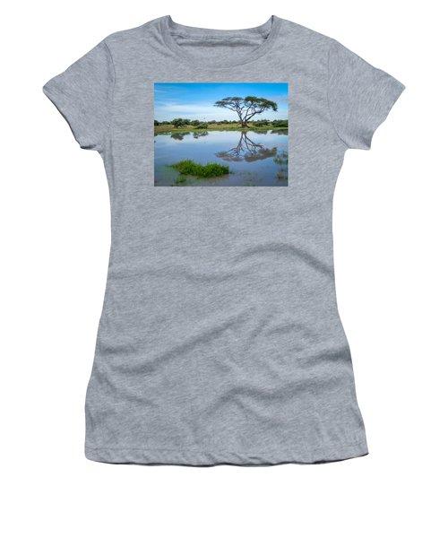 Acacia Tree Women's T-Shirt