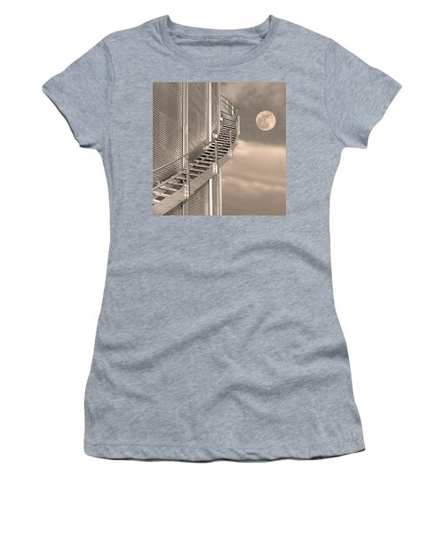 Agri Moon Women's T-Shirt (Athletic Fit)