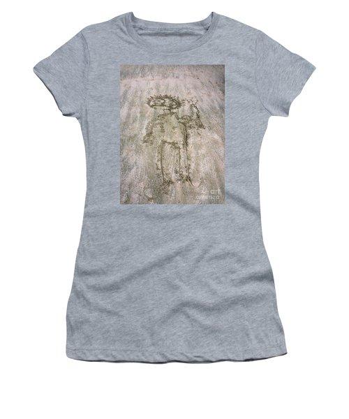 Alien On The Beach Women's T-Shirt