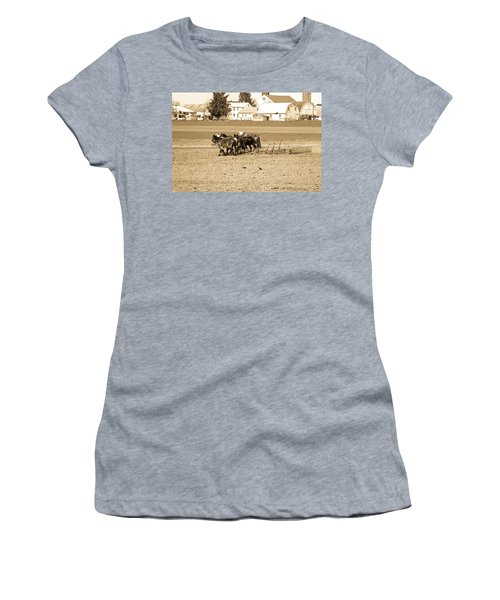 Amish Farm Women's T-Shirt (Athletic Fit)
