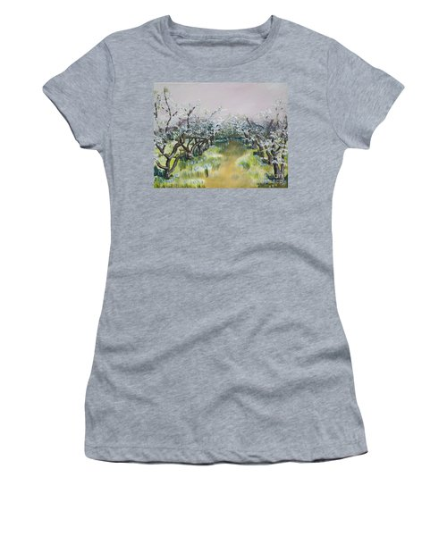 Apple Blossoms In Ellijay -apple Trees - Blooming Women's T-Shirt