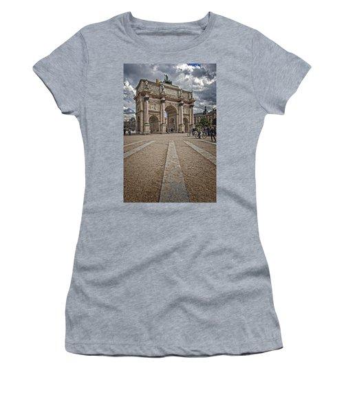 Arc De Triomphe Louvre  Women's T-Shirt