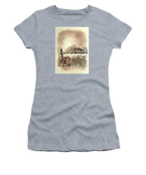 Autumn In View At Mac Gregors Barn Women's T-Shirt (Junior Cut) by Carol Wisniewski
