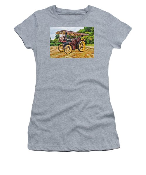 Aveling And Porter Showmans Tractor Women's T-Shirt