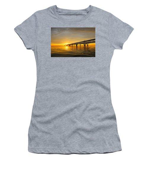 Bay Bridge Sunset Glow Women's T-Shirt (Junior Cut)
