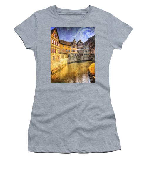 Beautiful Past Women's T-Shirt