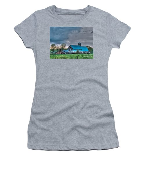 Blue Barn Women's T-Shirt (Athletic Fit)