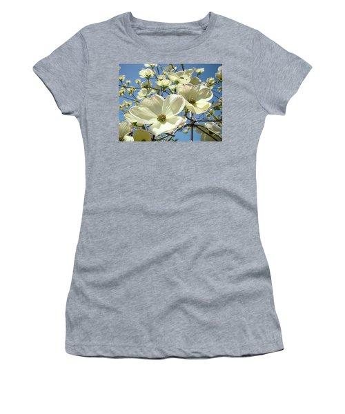 Blue Sky Spring White Dogwood Flowers Art Prints Women's T-Shirt