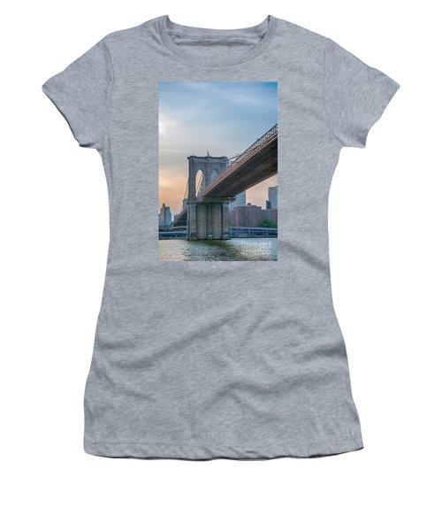 Brooklyn Bridge Sunset Women's T-Shirt