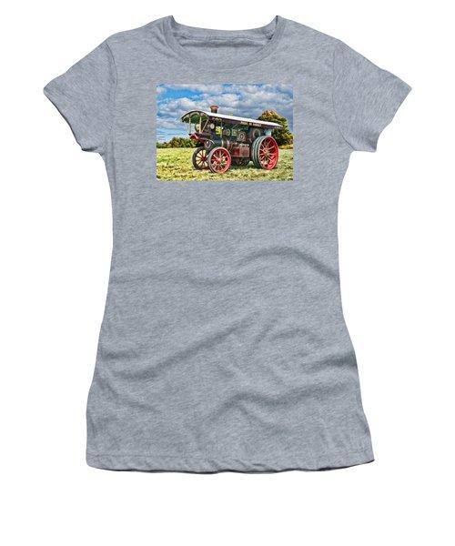 Burrell Showmans Engine Women's T-Shirt