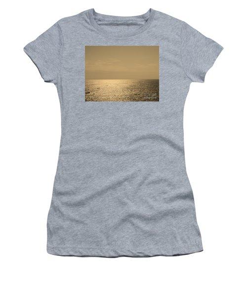 Calm Arabian Sea Women's T-Shirt (Athletic Fit)