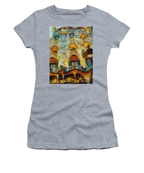 Casa Battlo Women's T-Shirt (Athletic Fit)