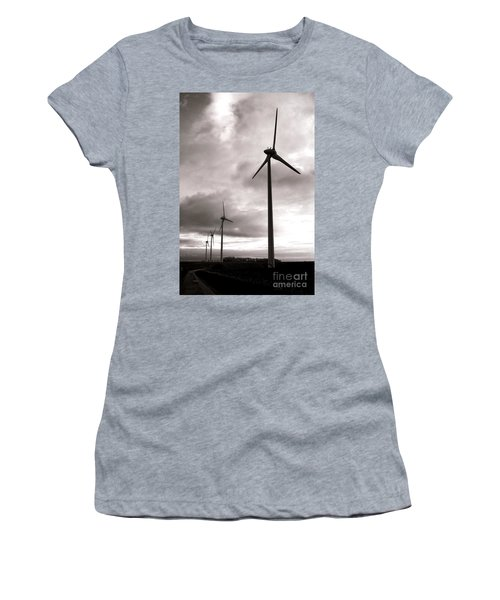 Catch The Wind Women's T-Shirt