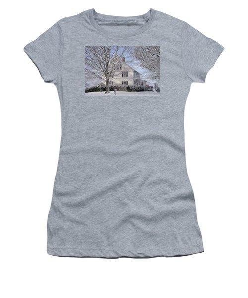 Connecticut Winter Women's T-Shirt (Athletic Fit)