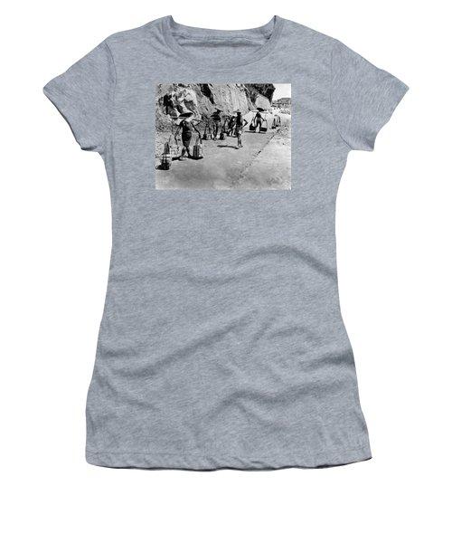 Coolies Carrying Bricks Women's T-Shirt