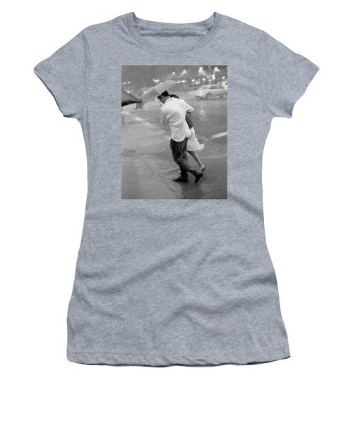 Couple In The Rain Women's T-Shirt