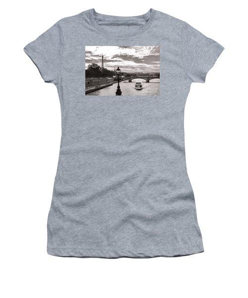 Cruise On The Seine Women's T-Shirt