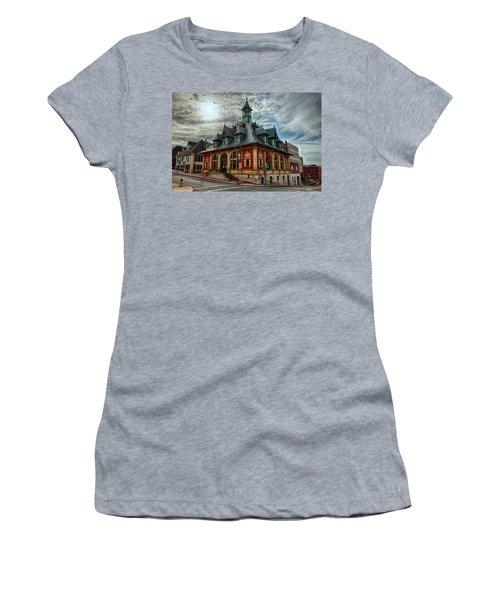 Customs House Museum Women's T-Shirt