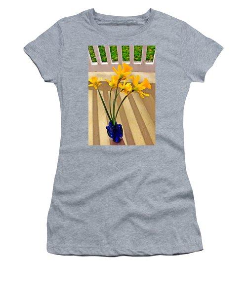 Daffodil Boquet Women's T-Shirt