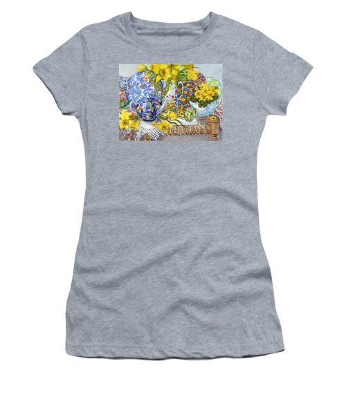 Daffodils Antique Jugs Plates Textiles And Lace Women's T-Shirt