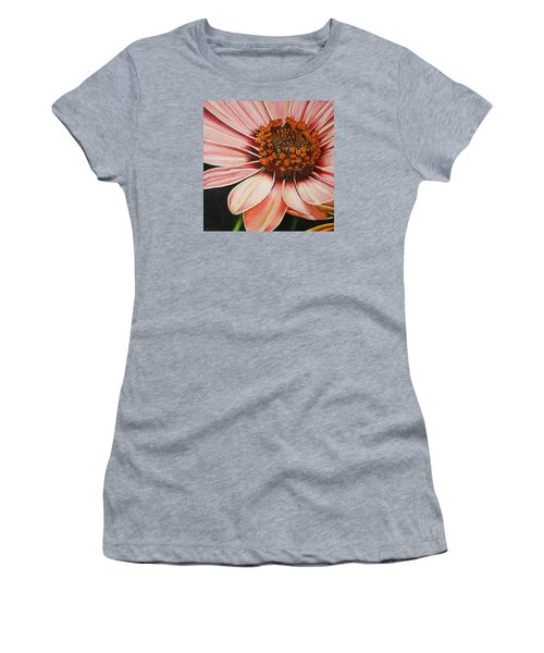 Daisy In Pink Women's T-Shirt (Athletic Fit)