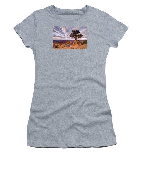 Dead Horse Point Sunrise Women's T-Shirt (Junior Cut) by Dustin  LeFevre