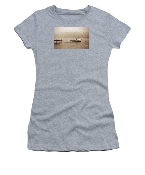 Deadrise Waiting Women's T-Shirt