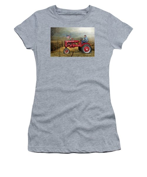 Dreams Of Yesteryear Women's T-Shirt (Athletic Fit)