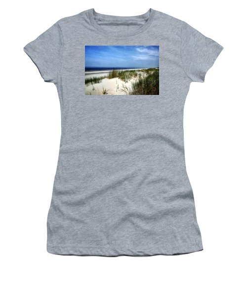 Dunes  Women's T-Shirt (Athletic Fit)