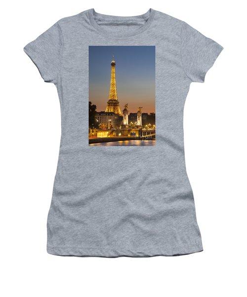 Eiffel At Twilight Women's T-Shirt