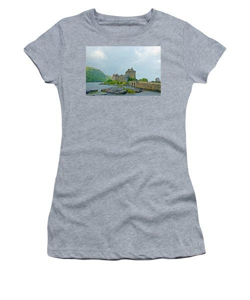Eilean Donan Castle Textured 2 Women's T-Shirt (Athletic Fit)
