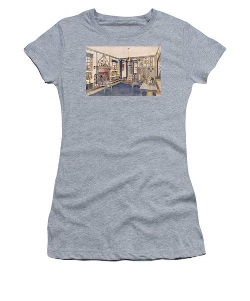 Elizabethan Style Entrance Hall Women's T-Shirt