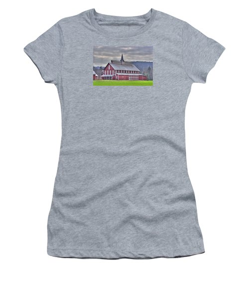 Fancy Red Barn Women's T-Shirt (Athletic Fit)