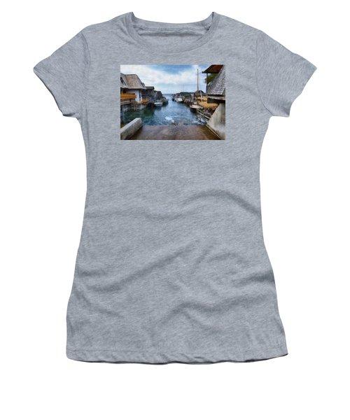 Fishtown Leland Michigan Women's T-Shirt