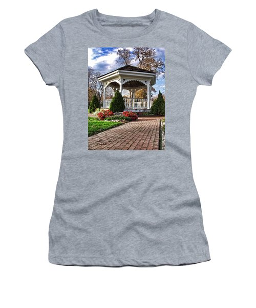 Women's T-Shirt featuring the photograph Gazebo At Olmsted Falls - 3 by Mark Madere