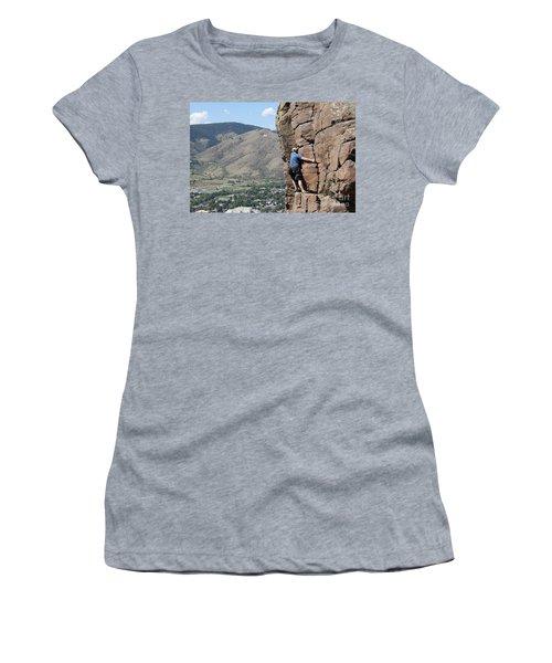 Golden Climbing Women's T-Shirt (Athletic Fit)