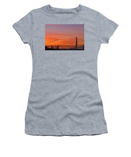 Golden Gate Sunset Women's T-Shirt (Athletic Fit)