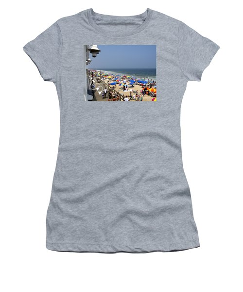 Good Beach Day At Bethany Beach In Delaware Women's T-Shirt