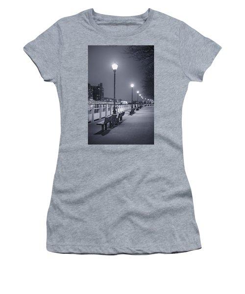 I Wonder As I Wander Women's T-Shirt