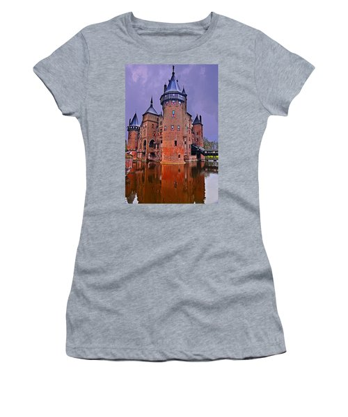 Kasteel De Haar Women's T-Shirt (Athletic Fit)