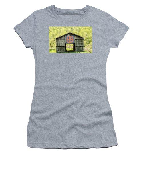 Kentucky Barn Quilt - Happy Hunting Ground Women's T-Shirt