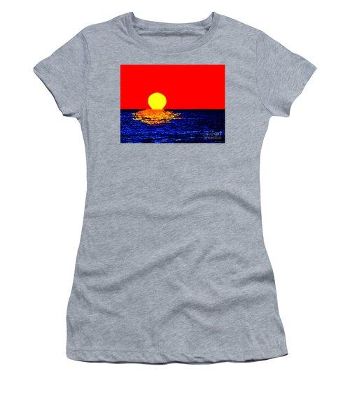 Kona Sunset Pop Art Women's T-Shirt (Athletic Fit)