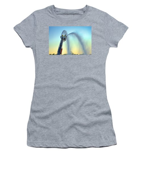 Mainstream At Sunset Women's T-Shirt