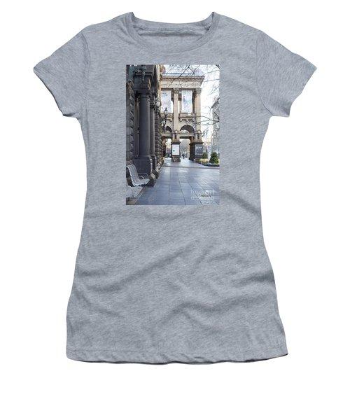 Marvellous Melbourne 3 Women's T-Shirt (Athletic Fit)