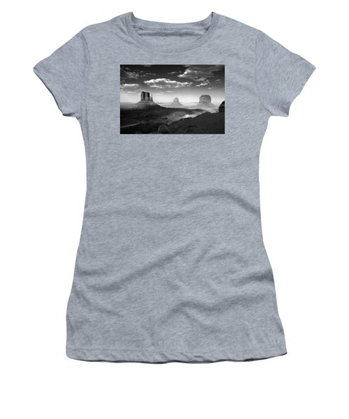 Monument Valley In Black And White Women's T-Shirt